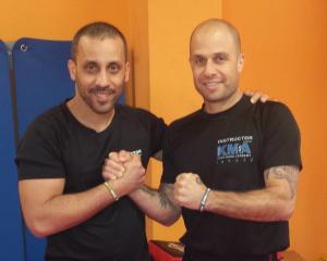 Instructores de Krav maga Enrique Pardo y Shachar Izraeli